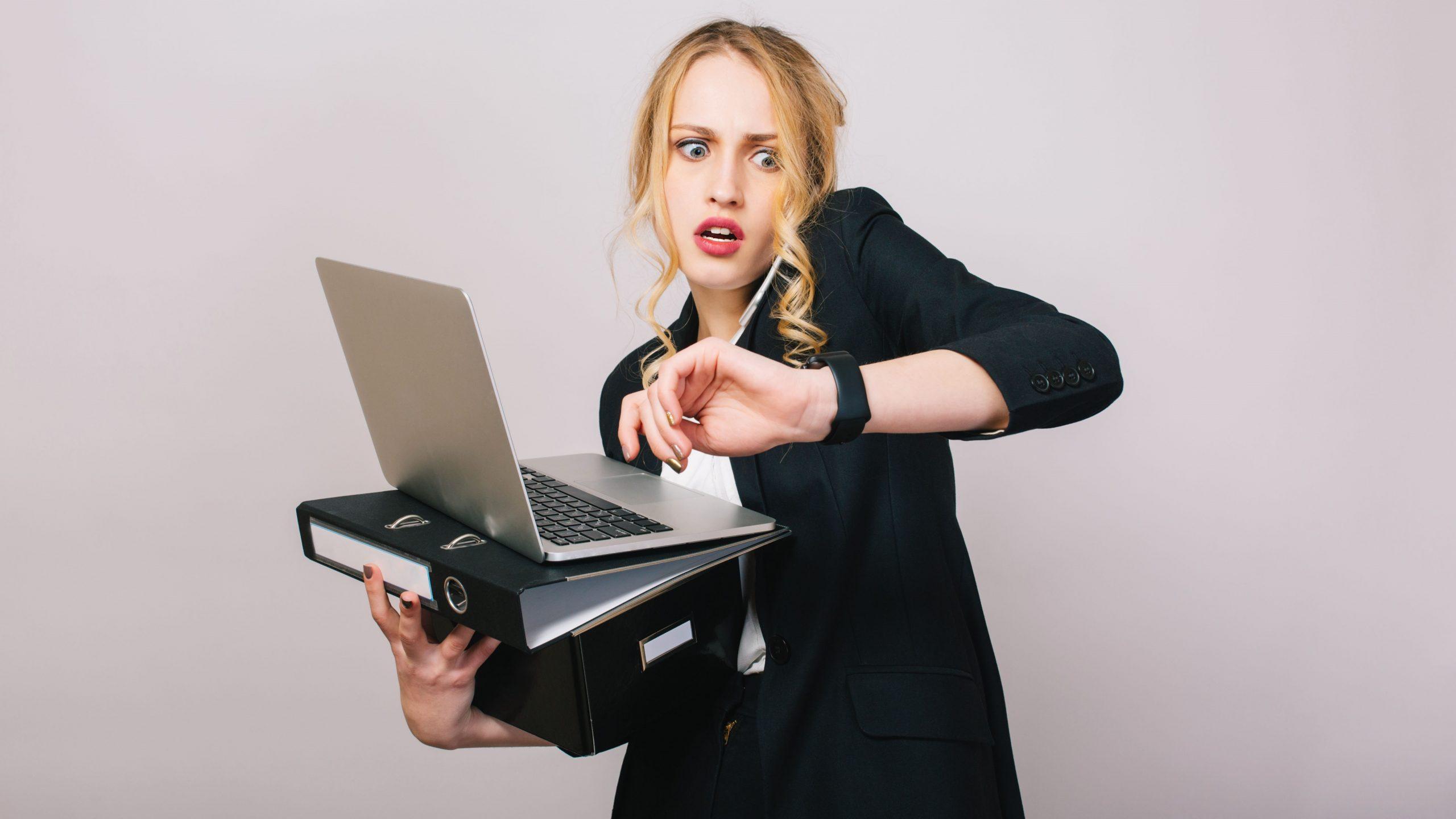 Đi làm muộn là hiện tượng xảy ra thường xuyên tại các doanh nghiệp