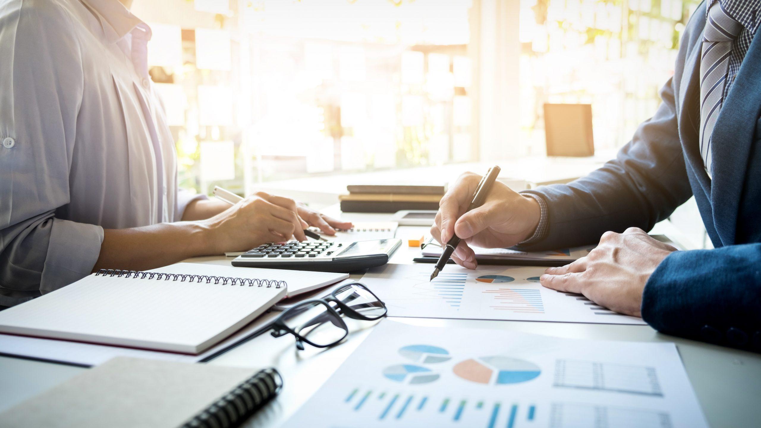 Các chi phí bất thường phát sinh trong quá trình triển khai phần mềm ERP dẫn tới nguy cơ vượt ngân sách dự án