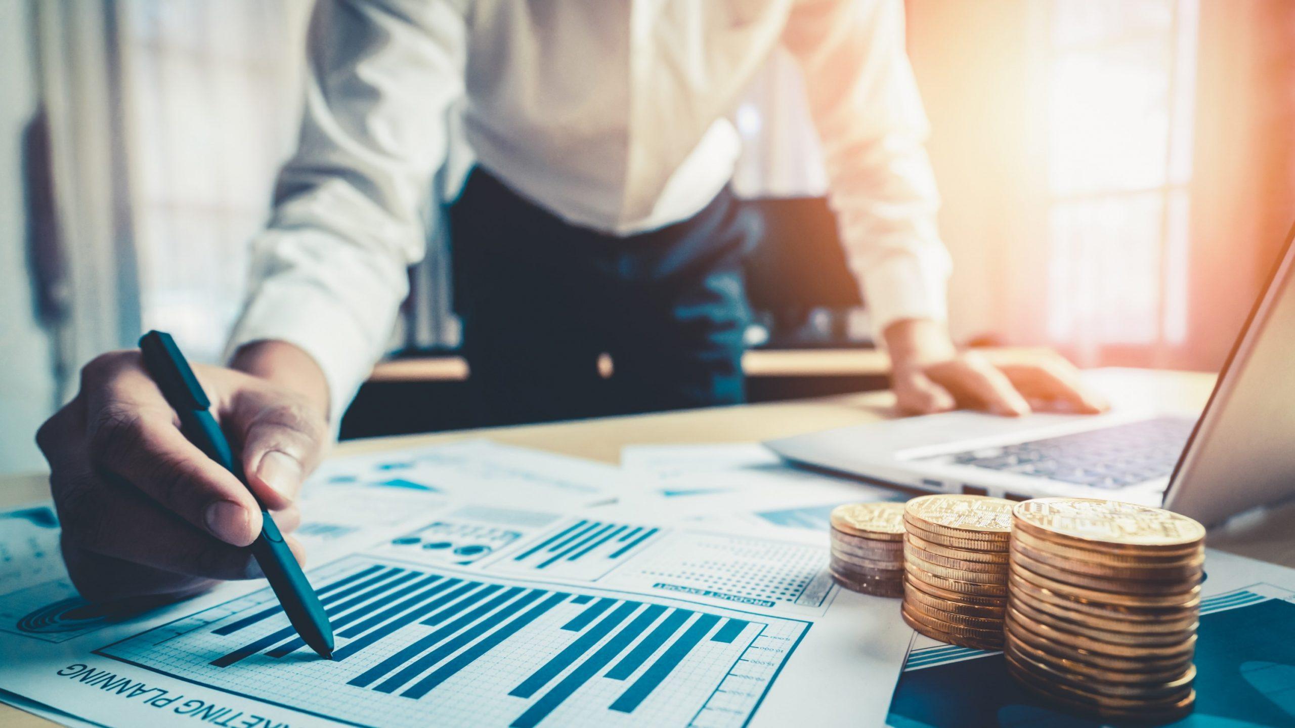 Lãnh đạo cần có sự tính toán chuẩn xác về  lương thưởng để phù hợp với tình hình thực tế của doanh nghiệp